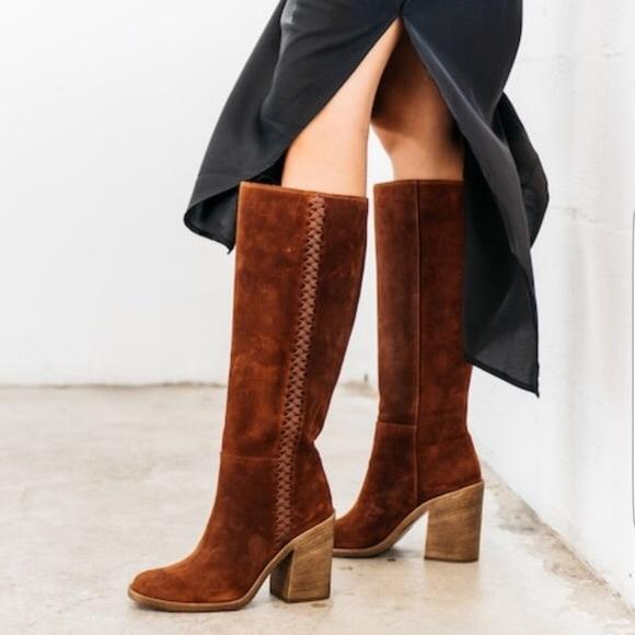 2d28970f3f9 NWOT ✨ UGG Maeva Mahogany Braided Boots
